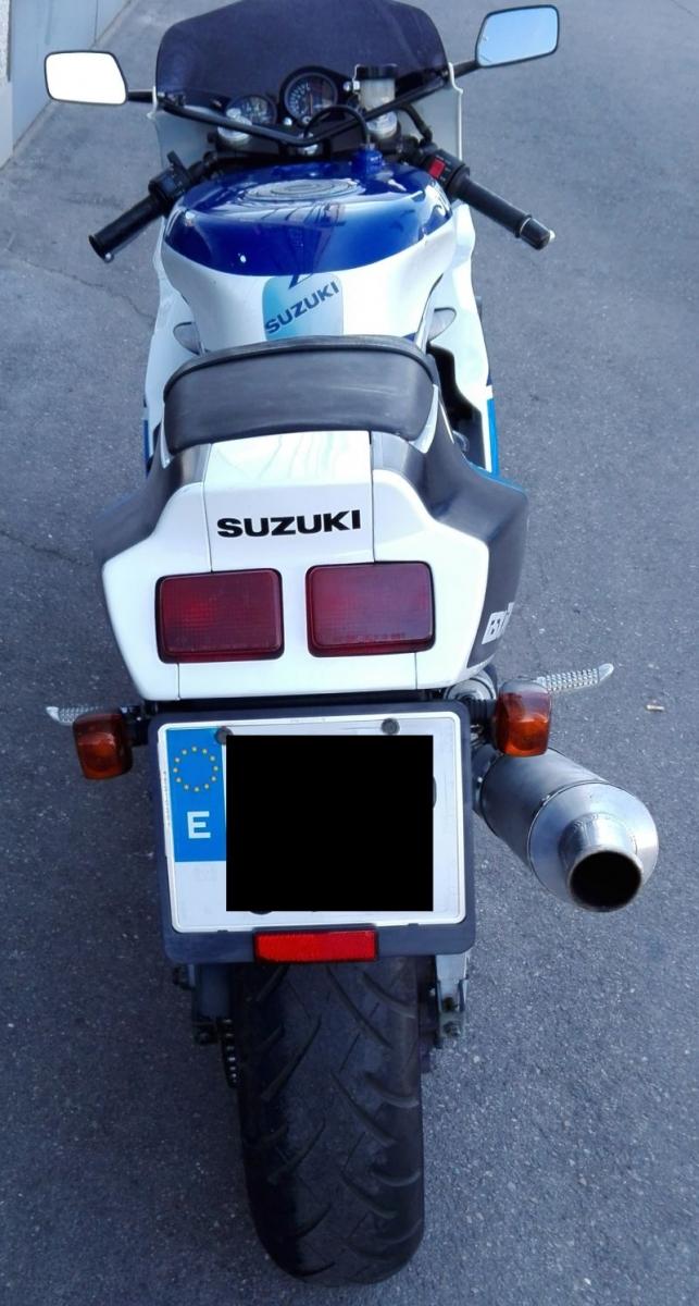 SUZUKI-GSXR-400i-8
