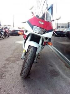 Yamaha-FZR-1000-EXUP-2